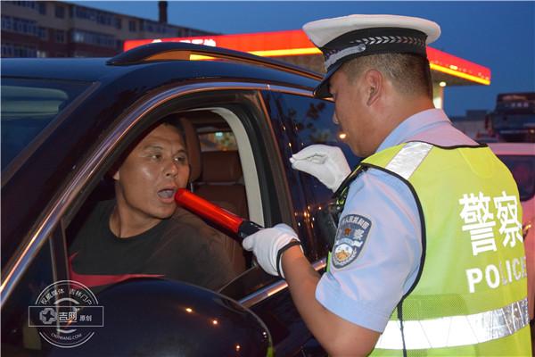 松原夜查 对大货超载醉驾等交通违法行为说不